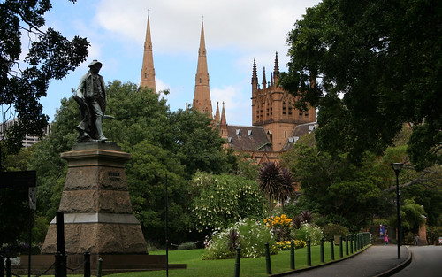 Best of Sydney - the sun, gardens, history, cathedrals, architecture