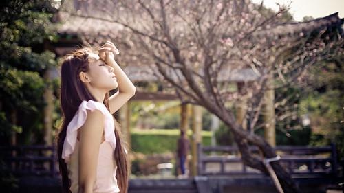 [フリー画像素材] 人物, 女性 - アジア, 人物 - 横顔・横を向く, 人物 - 目を閉じる, 台湾人 ID:201203250800
