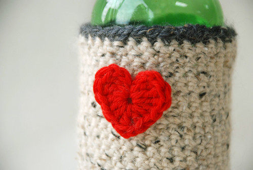 Beer-Cozy-closeup