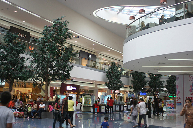 Mall of Asia is the third largest shopping mall in the world!