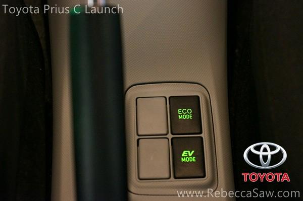 toyota prius c launch-021