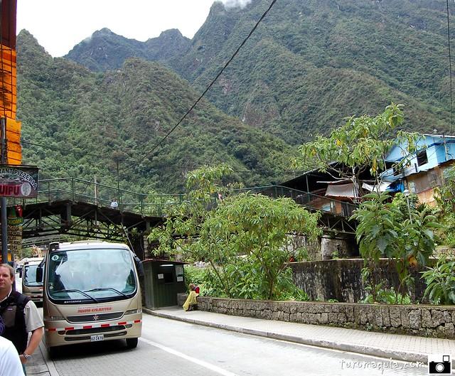 Aguas Calientes - Ônibus p/ Machu Picchu