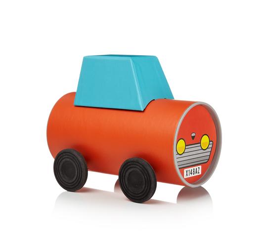 Tube-Toys_Car_Oscar-Diaz