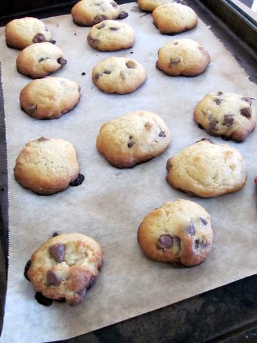 Food Network Magazine's Crispy-Cakey Chocolate Chip Cookies