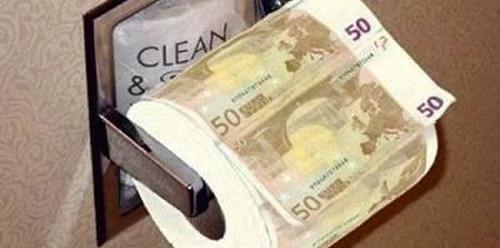 En algunes escoles valencianes el paper higiènic s'ha convertit en un luxe