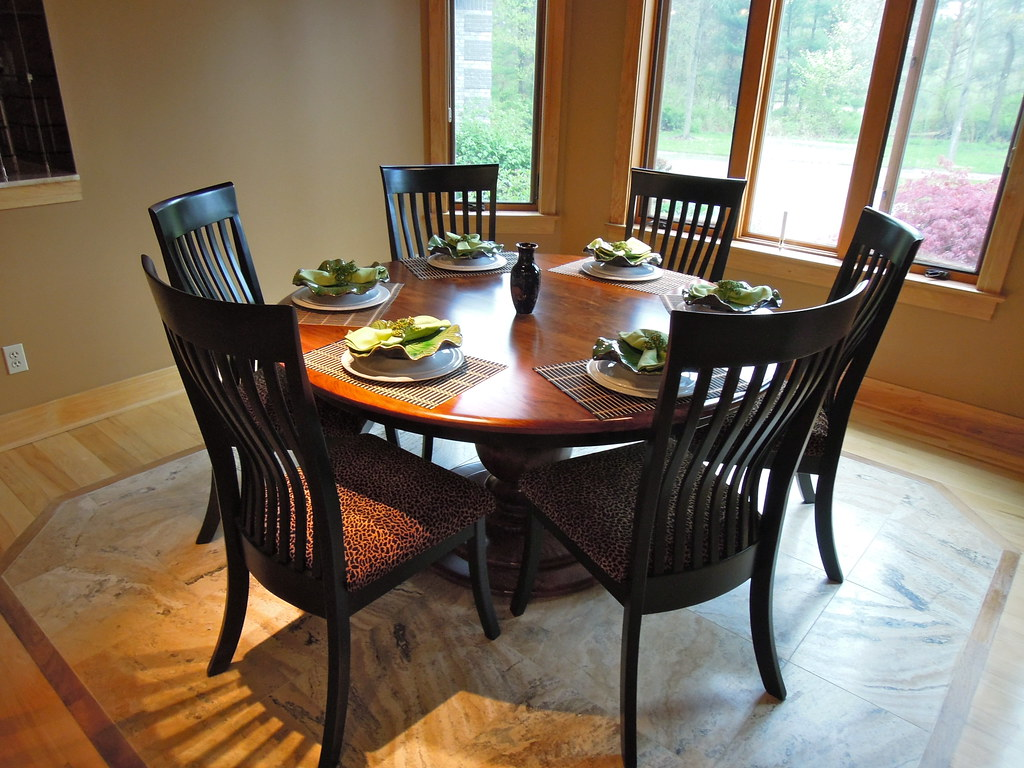 Round Dining Table With Leaf Round Dining Table With Leaf