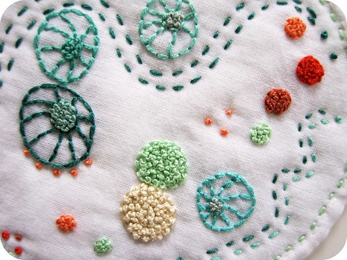 hand embroidered mini quilt :: petri dish