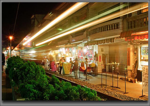 火車光影8948