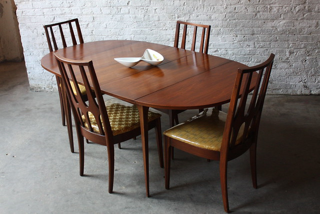 Dining Table Broyhill Dining Table And Chairs : 7017536437202e107ac4z from diningtabletoday.blogspot.com size 500 x 333 jpeg 119kB