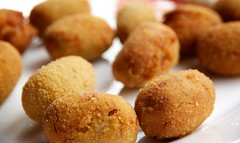 croquette, fried food, buã±uelo, vegetarian food, arancini, food, dish, cuisine, fast food,