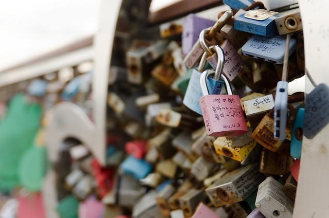 Lovelocks in Korea