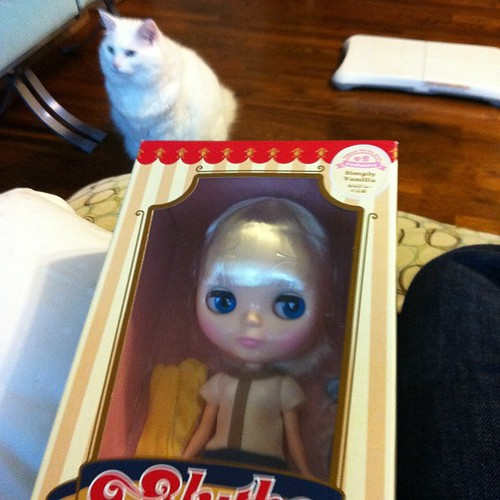 Oh my gosh my pen pal mailed me Simply Vanilla Blythe!!!!