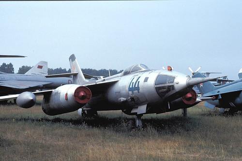 44b Yak-28