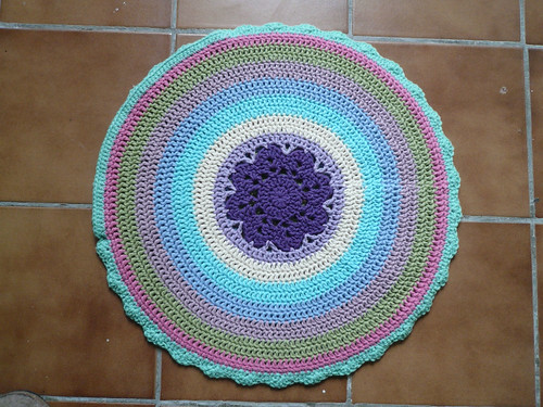 Circular cushion, back