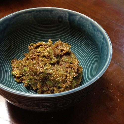 今日採った蕗の薹で蕗味噌作りました。
