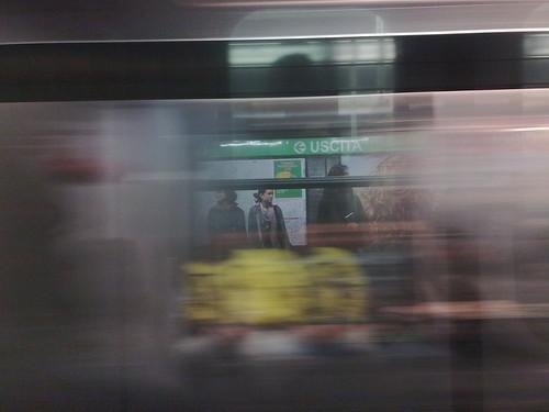 Oltre la fermata della metro by durishti
