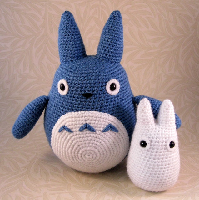 White Totoro Amigurumi : Blue and White Totoro Flickr - Photo Sharing!