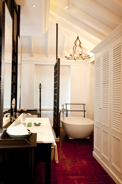 IC Samui Baan Taling Ngam - Ocean View Suite Bathroom Area.jpg