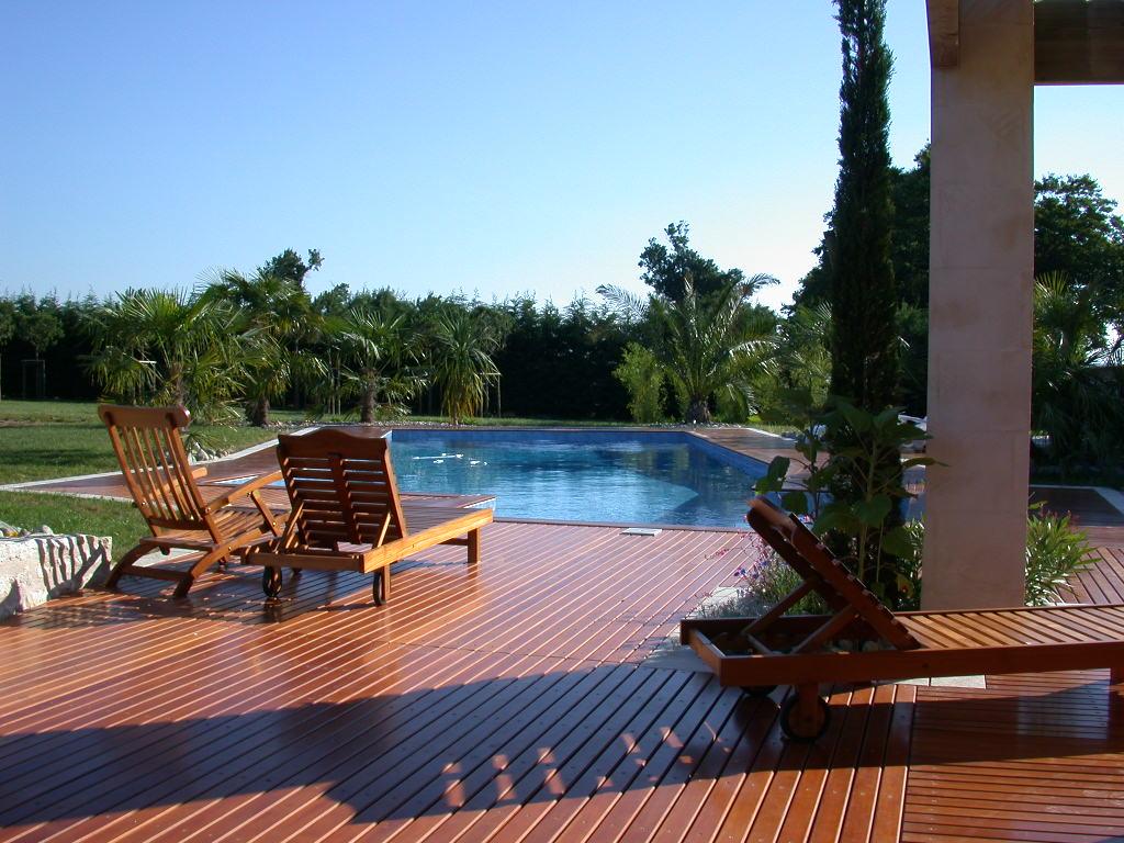 Piscine et terrasse bois hydro sud saintes flickr for Terrasse piscine bois