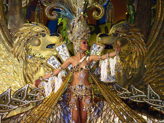 Carmen Gil González wearing Imperio, Santa Cruz Carnival Queen 2012