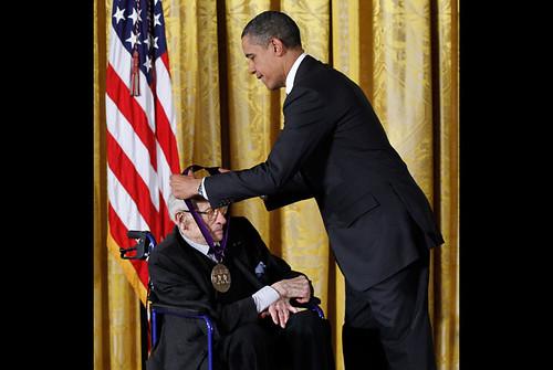 Obama gives medal