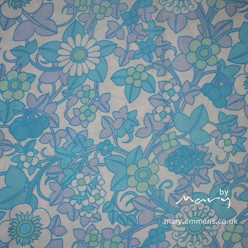 Vintage pillowcase - blue floral
