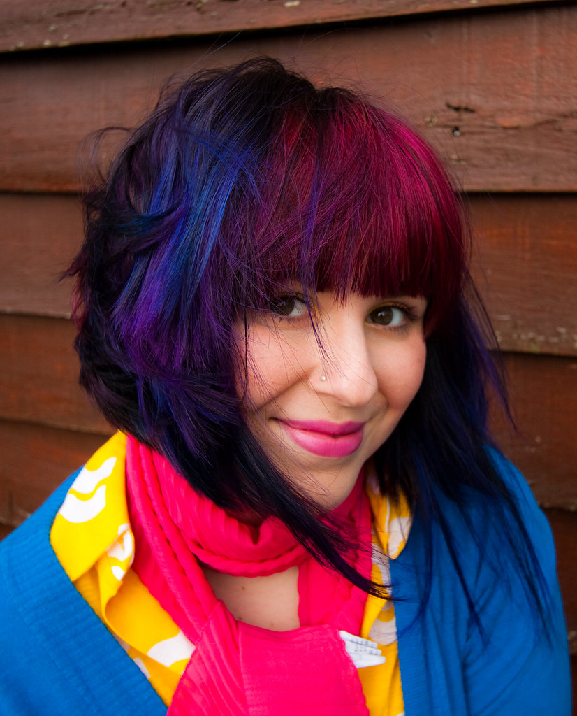 The canon girl does fashion blue purple and pink - Does blue and pink make purple ...