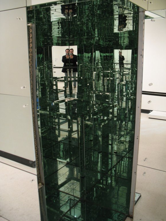 Interior, Room No 2 - The Mirrored Room - Lucas Samaras 1966