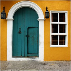 blue door, window, lamps.. by Zé Eduardo...