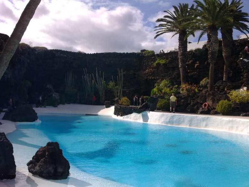 Jardineros en acci n construir la piscina de tus sue os for Se hacen piscinas