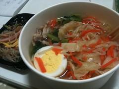 produce(0.0), canh chua(0.0), noodle(1.0), bãºn bã² huế(1.0), noodle soup(1.0), food(1.0), dish(1.0), laksa(1.0), soup(1.0), cuisine(1.0),