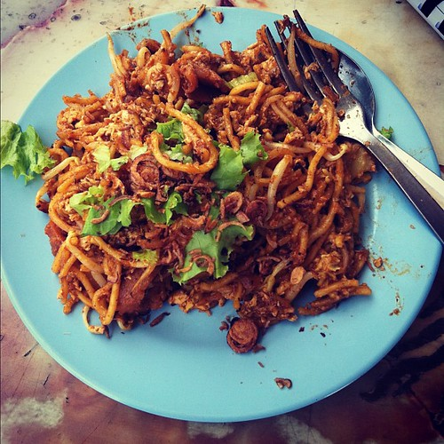 Streetside mee goreng, Armenian Street; not as tasty as the previous one.