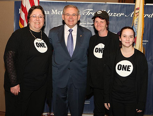 NJ ONE_Menendez_WomenTrailBlazerAwards_03-11-2012_1