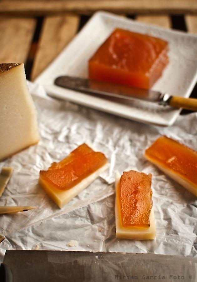 Dulce de manzana con queso manchego