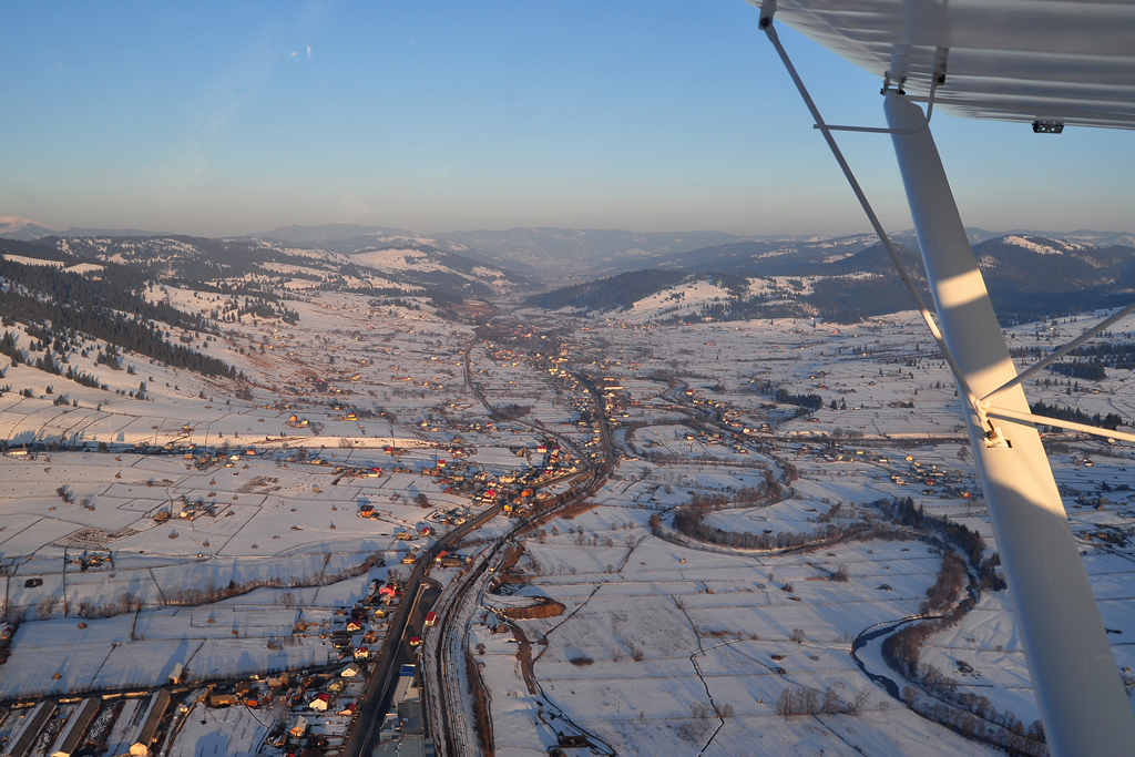 Suceava, Vatra Dornei - Aerodromul Floreni (LRFL) - Pagina 6 6990578865_fc4e9d8ec6_o
