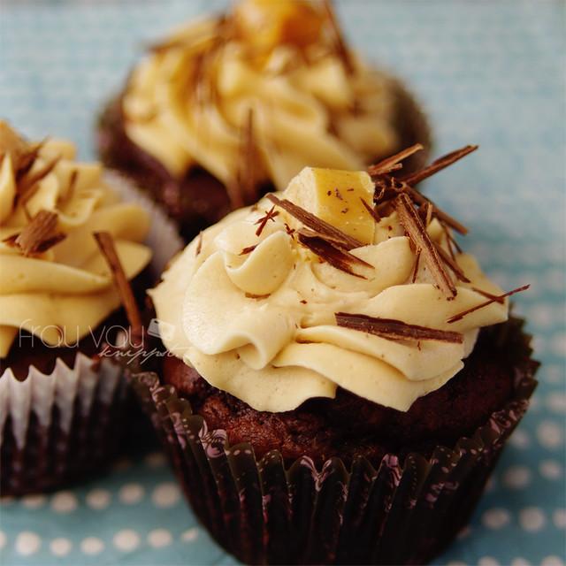 Salted Caramel Chocolate Cupcakes @ http://frauvau.blogspot.com