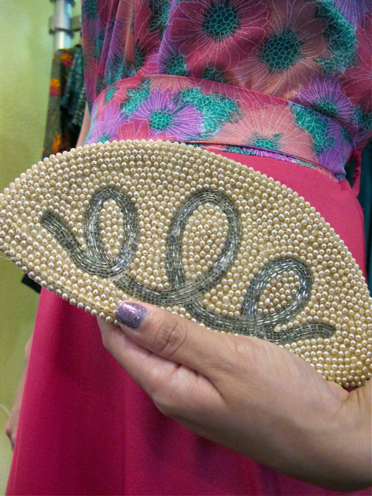 Lovely sequinned swirls on a 1940s-50s Czechoslovakian beaded faux pearl purse.