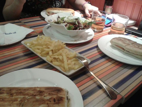 Zaragoza | La Antilla Aragonia | Bocatas, patatas y ensalada