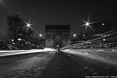 Paris : Champs Elysées by night