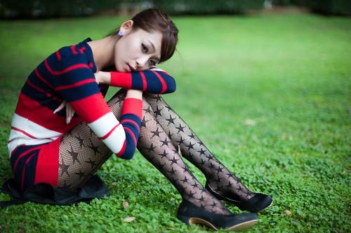 [フリー画像素材] 人物, 女性 - アジア, 女性 - 座る, 台湾人 ID:201203240800