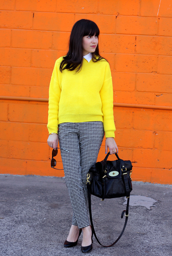 yellow_sweater_houndstooth_trousers4