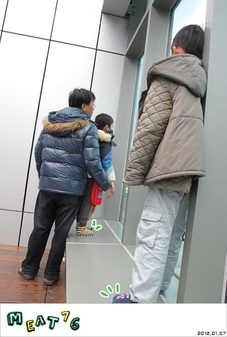 【遊樂台北】松山機場|眼前的起降輸給天倫同樂的感動與情侶的氛圍感染26.jpg