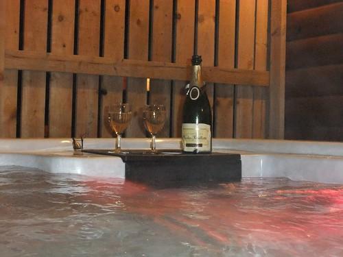 Champagne hot tub - Valentine's Day - Piperdam, Fowlis, Angus, Scotland