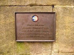 Photo of Margaret Clitherow bronze plaque