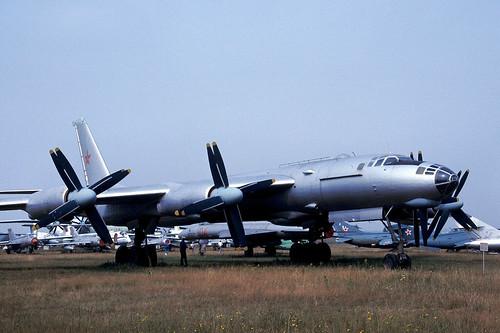 unmarked Tu-95