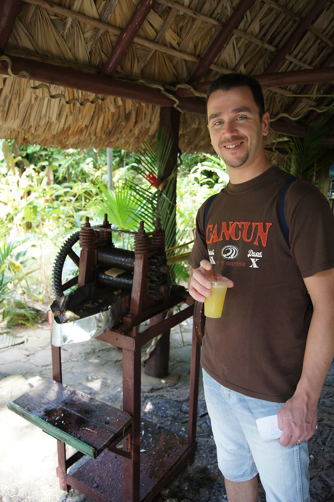 Sugar cane juice with rum, Vinales