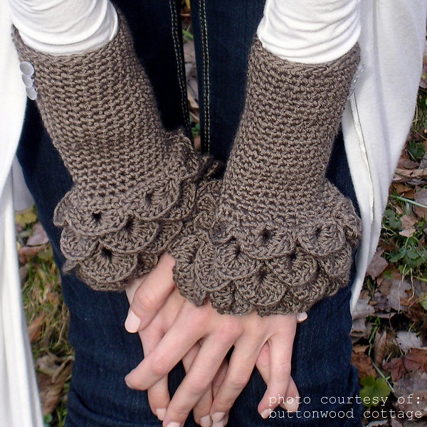 ruffled arm warmers