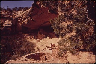 Cliff Palace, first major ruin discovered in the Mesa Verde, 05/1972.