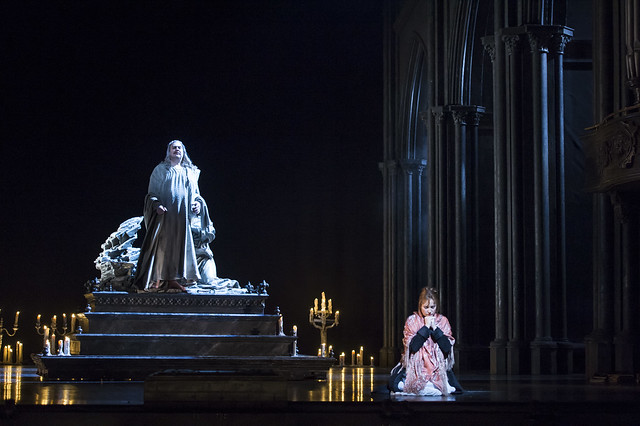 Bryn Terfel as Méphistophélès and Sonya Yoncheva as Marguerite in Faust, The Royal Opera, © ROH / Bill Cooper 2014