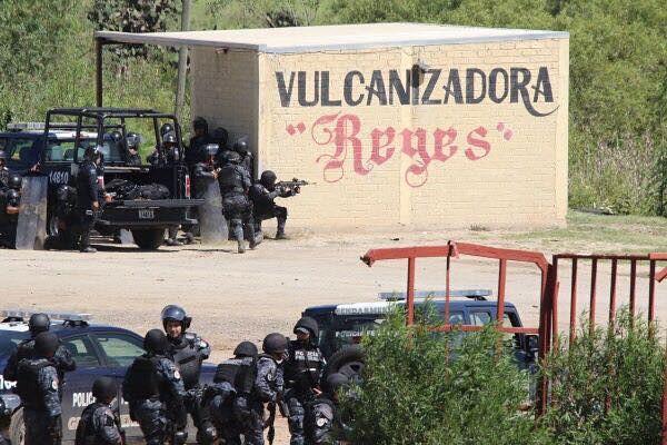 Durante manifestações deste domingo (19), redes sociais circularam vídeos e imagens da forte repressão policial  - Créditos: Resumen Latinoamericano
